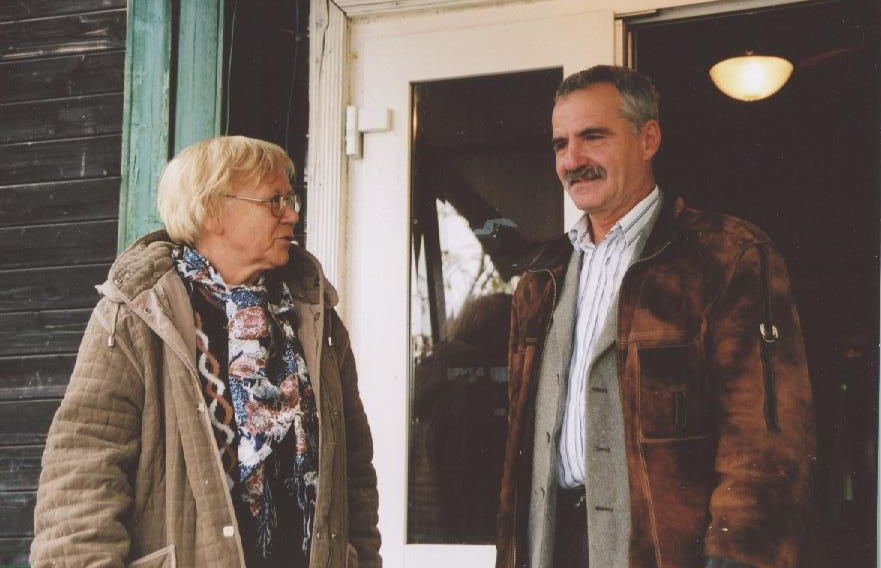 INNOCOM researcher Lyudmila Lipatova accompanying Pavel Savel'evich Grudskoi to early places of the city, which he helped constructing